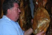 Yegen recibe jamones de Holanda para ser curados en un secadero natural