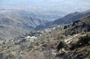 El Ayuntamiento de Alpujarra de la Sierra recupera el sendero real morisco de Mecina Bombarón
