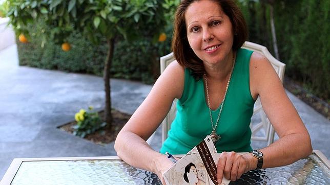 Maribel Martín Pelegrina, nacida en Mecina Bombarón (Granada) y autora de «Dormir sobre Cristales»