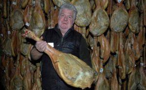 Jamones Muñoz prevé comercializar este año unas 35.000 piezas