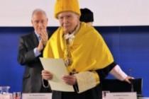 Fernando Reinoso nacido en Mecina Bombarón recibe la Medalla de la UAM